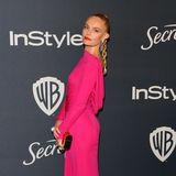 Kate Bosworth ist im pinkfarbenen Party-Look nicht zu übersehen.