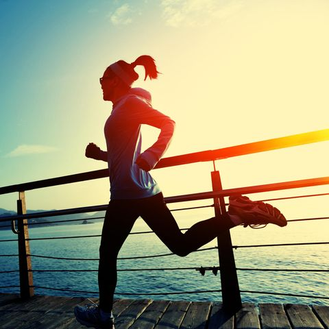 Ausreichend Bewegung fördert das Abnehmen (Symbolbild)