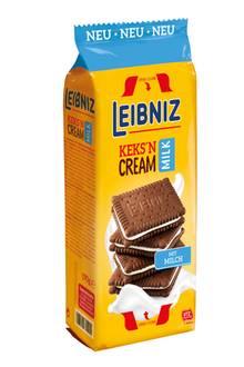Außen knusprig, innen cremig – der Keks'N Cream Milk von Leibniz ist der neue Lieblingssnack für alle Naschkatzen. Schokoladiger Kakao und cremige Milch bilden geschmacklich das perfekteDuo und sind ein praktischesKeks-Sandwich für unterwegs. Zum Teilen fast zu schade!Ca. 1,89 Euro