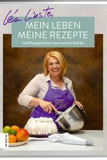 """Spitzenköchin Léa Linster gewährt einen Einblick in ihr Leben und ihre Küche: Ob Rinder- filet mit Rotwein- soße oder """"Mamas beste Frikadellen"""" – die Bandbreite reicht von Lieblings- rezepten aus ihrer Kindheit bis hin zu Gerichten, die ihr beim Reisen um die Welt begegnet sind. (""""Mein Leben, meine Rezepte"""", ZS Verlag, 176 S., 24,99 Euro)"""