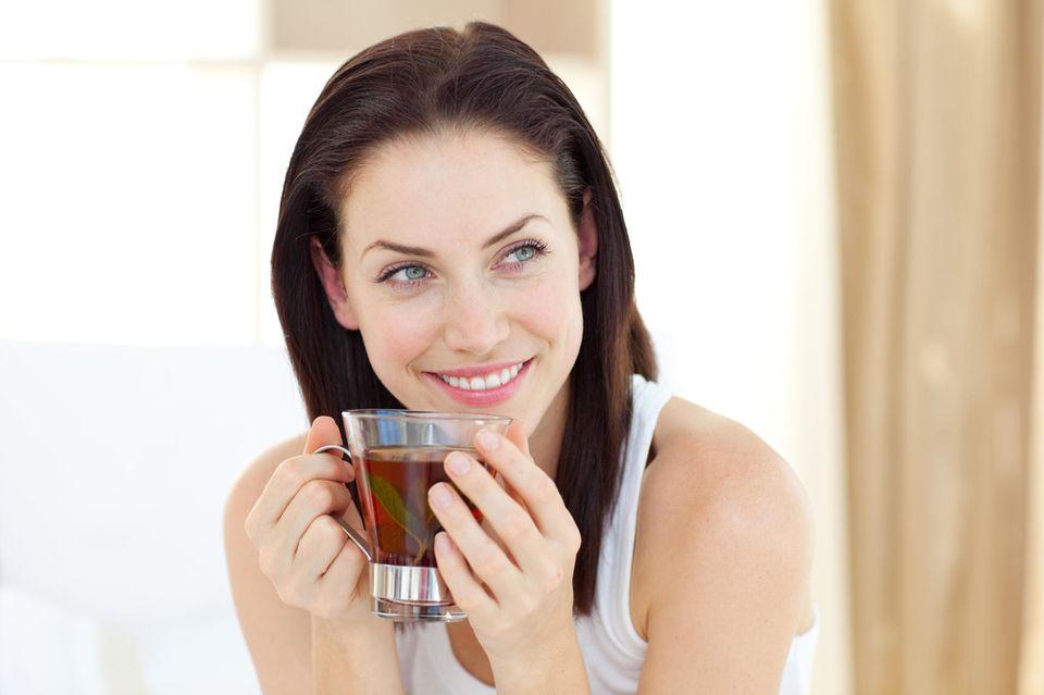Tee kann beim Abnehmen helfen.