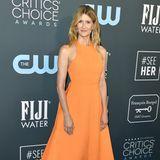 Auch Schauspielerin Laura Dern setzt auf Orange. Die bodenlange Robe von Designerin Emilia Wickstead lässt sie strahlen.