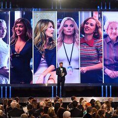 """Seth Meyers moderiert die Kategorie """"Beste Nebendarstellerin"""" an, undgewonnen hat Laura Dern."""