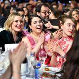 Beste Stimmung herrscht am Tisch vonRegisseurin Greta Gerwig, Beanie Feldstein und Saoirse Ronan.