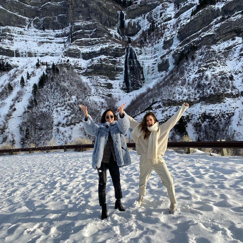 14. Januar 2020  Ausgelassen genießen Schauspielerin Jessica Alba und ihre Freundin, die Youtuberin Chriselle Lim, eine winterliche Auszeit in den Bergen Utahs.