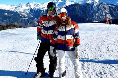 Robbie Williams und seine Frau Ayda beim Skifahren