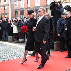 Jan Fedder (†): Die Witwe Marion Fedder kommt in Begleitung von Jörg Pawlik zur großen Trauerfeier ihres am 30. Dezember verstorbenen Mannes.