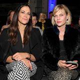 Gleich zwei starke Frauen in der Front Row. Schauspielerinnen Bettina Zimmermann und Anna Loos bei der Gruppenshow von Fashion-Talenten aus Südafrika.