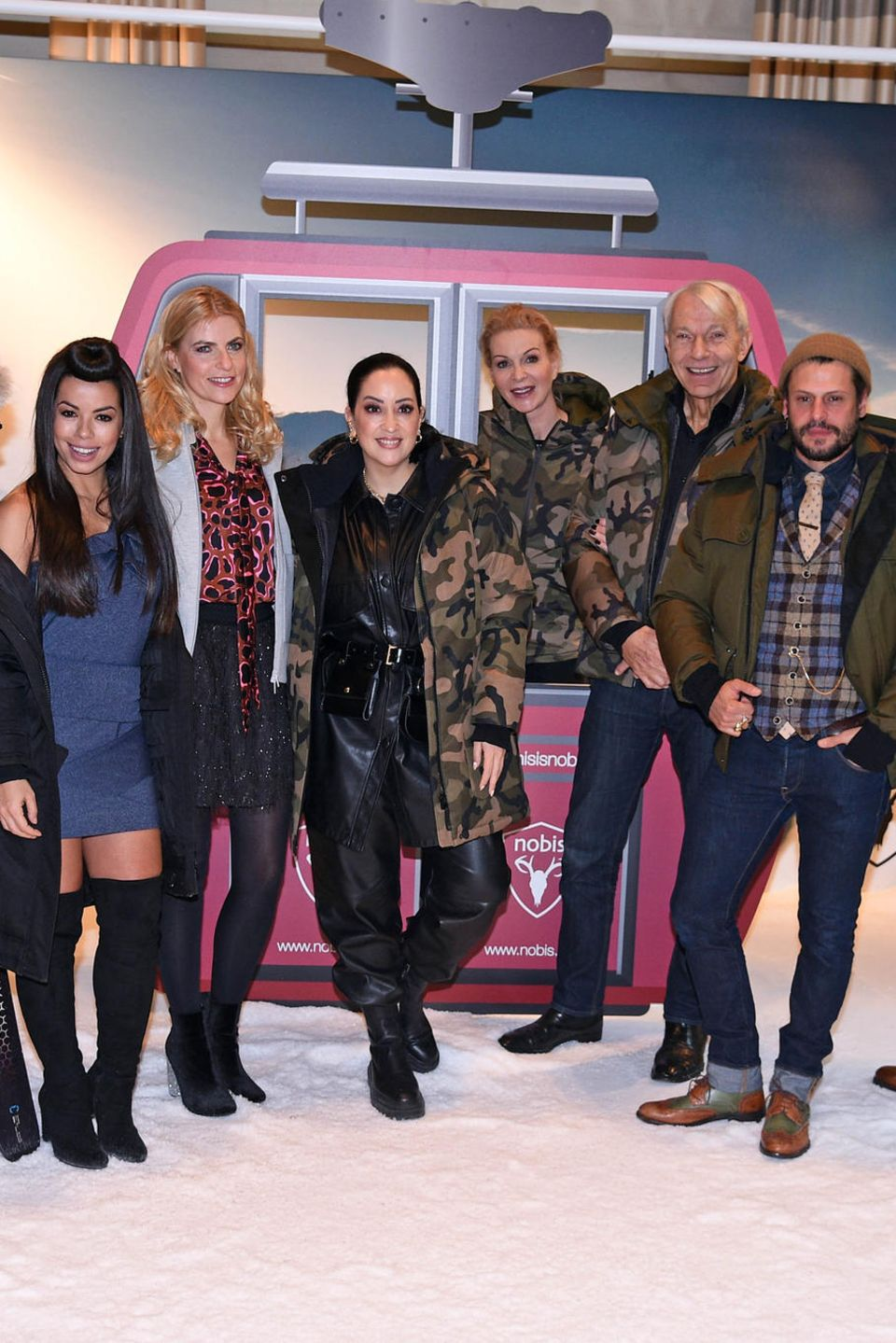Stephan Luca, Fernanda Brandao, Tanja Bülter, Miyabi Kawai, Grit Weiss, Jo Groebel, Manuel Cortez und Lukas Sauer