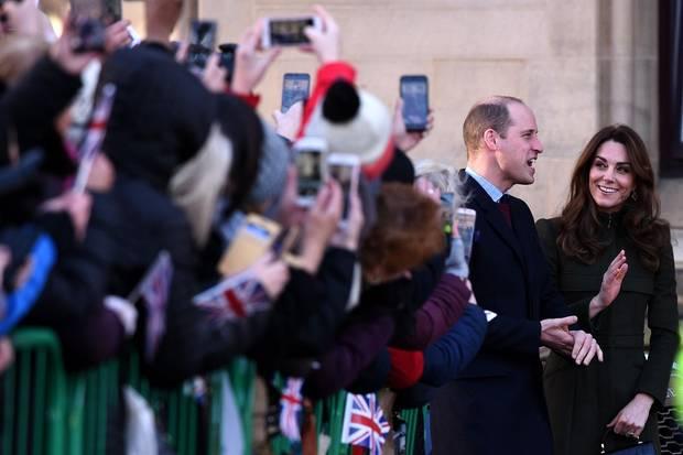 Alle Augen sind auf William und Kate gerichtet.