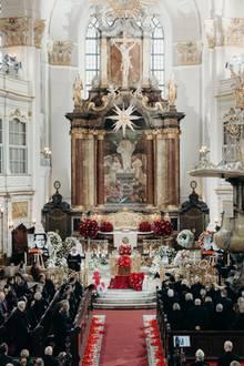 Jan Fedder hatte sich eine Trauerfeier im  Michel, dem Wahrzeichen Hamburgs, gewünscht. Dieser letzter Wunsch wird ihm nun erfüllt.