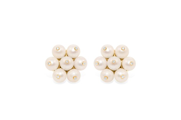 Die funkelnden Perlenohrringe im Stil von Herzogin Kate