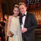 """Lisa Maria Potthoffs und Sebastian Bezzels Film""""Leberkäsjunkie"""" war bei den Zuschauern besonders beliebt. Die beiden erhielten den Publikumspreis des Bayerischen Filmpreises 2020."""