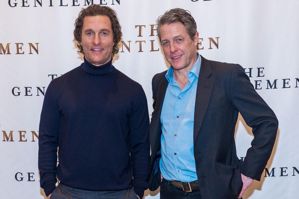 Matthew McConaughey undHugh Grant wollen ihre Eltern verkuppeln.