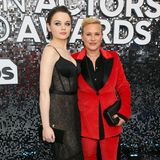 Joey King (in Jason Wu Collection) und Patricia Arquette