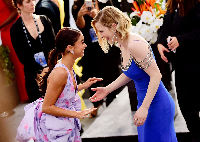 """SAG Awards 2020: Auch """"Moden Family""""-Star Sarah Hyland und """"The Marvelous Mrs. Maisel"""" Rachel Brosnahan genießen den heutigen Abend."""