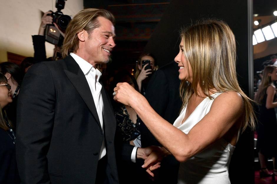 Brad Pitt & Jennifer Aniston: Überraschungs-Reunion bei den SAG Awards