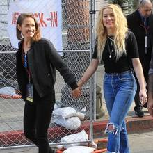20. Januar 2020  Gut gelaunt und frisch verliebt nimmt Amber Heard Händchen haltend mit ihrer neuen Freundin Bianca Butti beim Women's March in Los Angeles teil.
