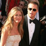19. September 2004  Bei den Emmy Awards im September 2004 sind Jennifer Aniston und Brad Pitt zum letzten Mal als Ehepaar auf dem roten Teppich zu sehen. Im Januar 2005 geben sie ihre Trennung bekannt, im März reicht Jennifer die Scheidung ein.