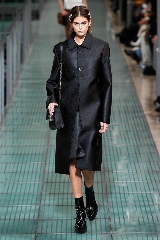 In derselben Show läuft auch Kaia Gerber, Tochter von Topmodel Cindy Crawford. Es ist offensichtlich: Ihr sind die Model-Gene bereits in die Wiege gelegt.