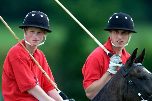 Viele Jahre im selben Team: Harry und William schienen unzertrennlich. Nun machen die Brüder eine schwere Zeit durch.