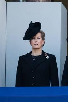 10. November 2019  Großbritannien und die Commonwealth-Staaten gedenken am Remembrance Sunday den Kriegstoten. Zusammen mit Herzogin Meghan und Timothy Laurence, dem Mann von Prinzessin Anne, nimmtSophie an der traditionellen Gedenkzeremonie am Cenotaph in London teil.