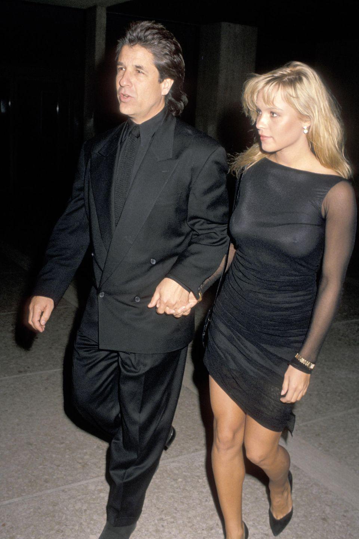 Jon Peters und Pamela Anderson im Dezember 1989