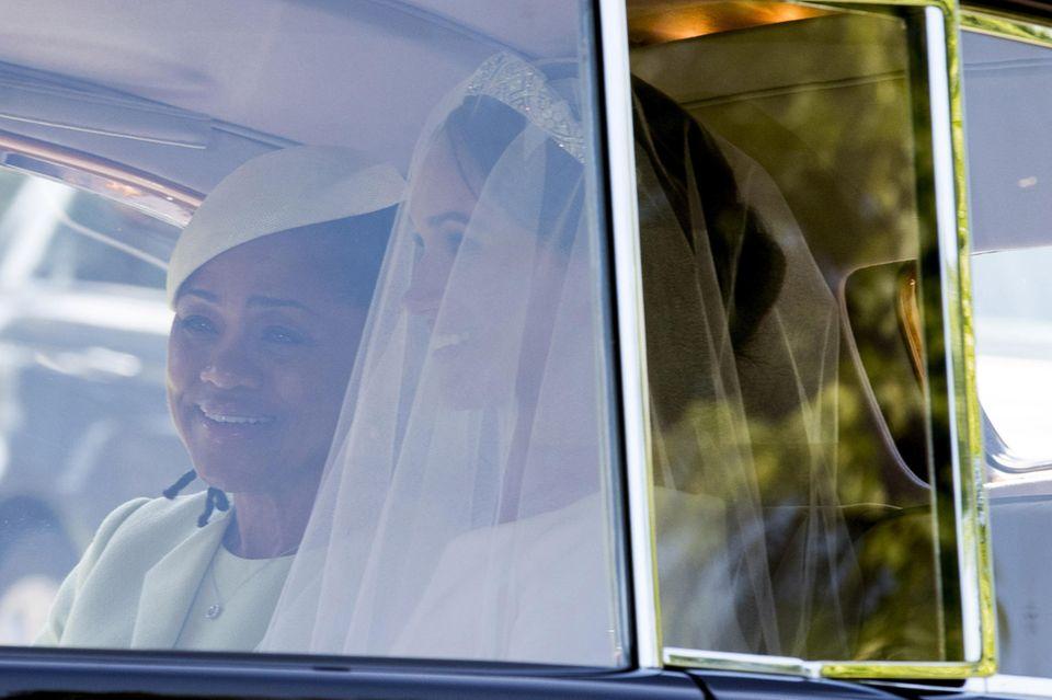 Immer an Meghans Seite: Doria fuhr mit ihrer Tochter bei deren Hochzeit im Brautauto zur St. George's Chapel.