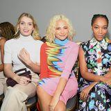 Bei Schiaparelli sind die Styles in der Front Row ganz unterschiedlich – schlicht, knallig, blumig… Lady Kitty Spencer, Pixie Lott, Naomi Ackie and Kat Graham sehen aber alle toll aus.