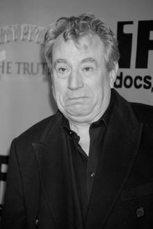 Terry Jones (†77)