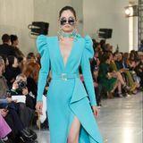 Der libanesische Modedesigner Ellie Saab kreiert Designs, die Stars auf der ganzen Welt lieben. In der kommenden Saison werden wir also mit Sicherheit die ein oder andere Robe am Red-Carpet bewundern dürfen.