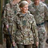 """Sportlich, sportlich - beim """"The Countess of Wessex Cup"""" beweist Gräfin Sophie, dass sie auch in Camouflage gut aussieht."""