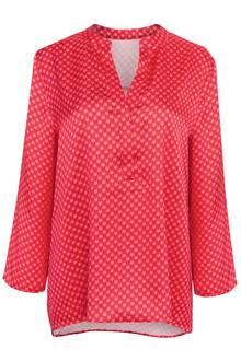 Eine Bluse mit Herz: Das Hingucker-Piece des LabelsAnni for Friends für QVC ist nicht nur am Valentinstag ein toller Hingucker, kostet ca. 66 Euro.