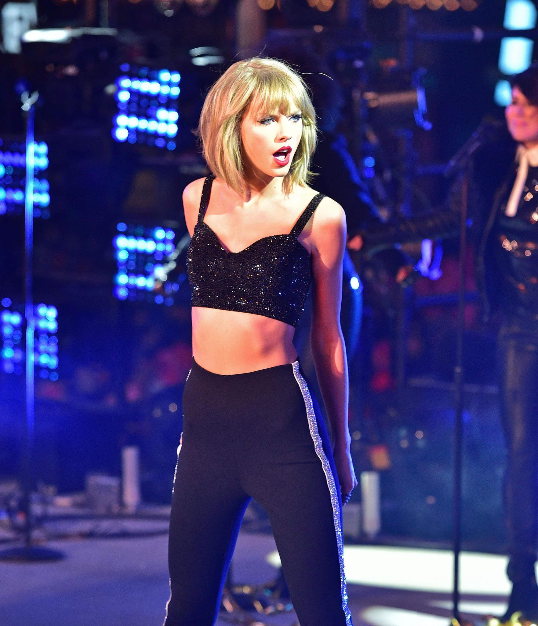 Taylor Swift nach ihrer Gewichtsabnahme bei ihrem Silvester-Auftritt auf dem Times Square in New York zum Jahreswechsel 2014/ 2015.
