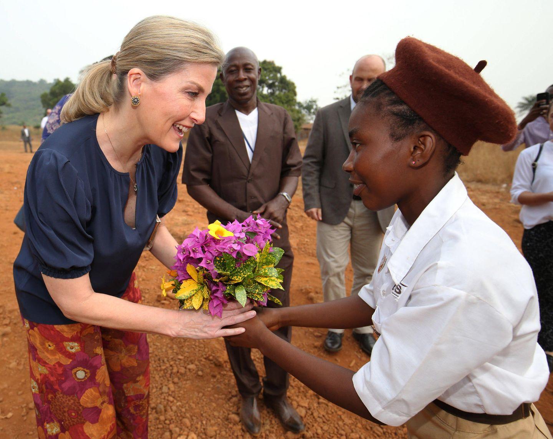 """23. Januar 2020  Gräfin Sophie von Wessex besucht in Sierra Leone eine Schule im Auftrag des""""Foreign and Commonwealth Office"""". Die Frau von Prinz Edward ist kurzfristig für einen zweitägigen Besuchin des westafrikanische Land geflogen."""