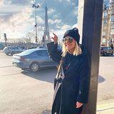 GZSZ-Star Valentina Pahde nutzt ihre drehfreie Zeit, um in Paris vorbeizuschauen. EinFoto mit Eiffelturm gehört dabei natürlich zum Pflichtprogramm.