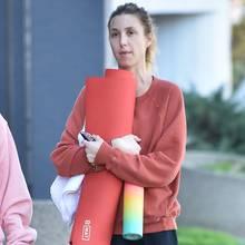 Whitney Port auf dem Weg zum Yoga