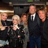 Gruppenbild mit Country-Stars:Gwen Stefani, Tanya Tucker, Shania Twain, Blake Shelton und Keith Urban