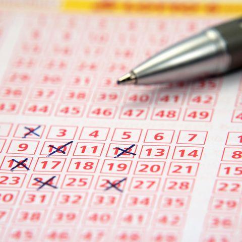 Ein Schein der Samtags-Lotterie beschert australischem Paar den ganz großen Geldsegen (Symbolbild)