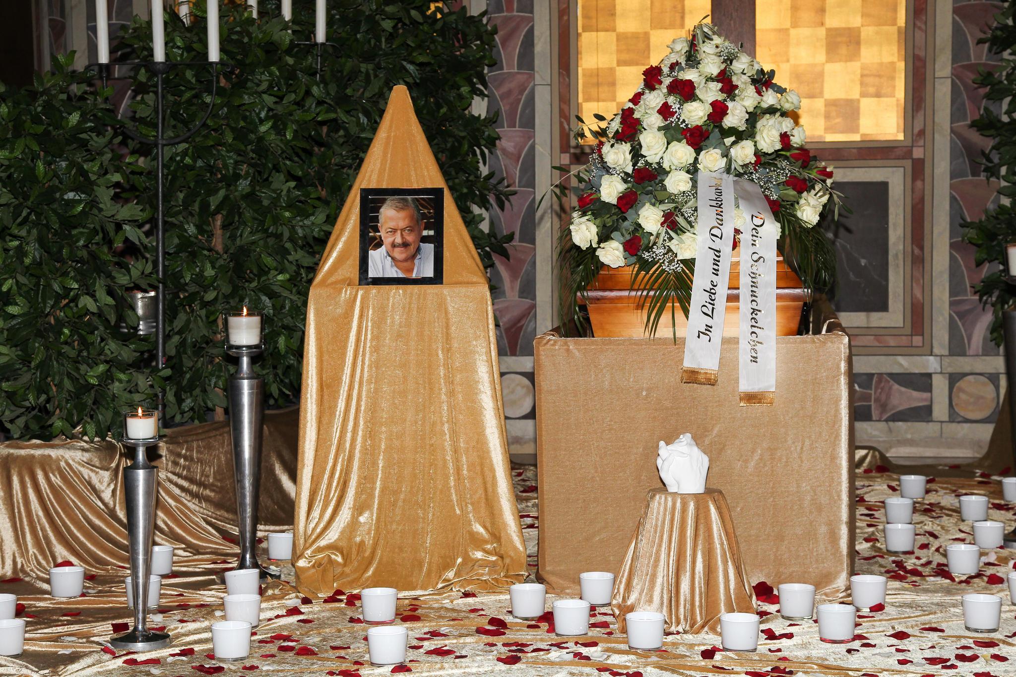 """Die bewegende Beerdigung von """"Rosenheim Cops""""-Star Joseph Hannesschläger"""
