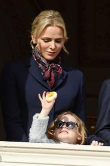 Neue Bilder der Fürstenfamilie: Was macht Prinzessin Gabriella denn da?