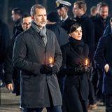 König Felipe und Königin Letizia zollen den Opfern des Holocaust ihren Respekt.