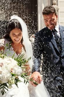 Polterabend, Baumstamm sägen & Co.: Hochzeitstraditionen neu interpretiert