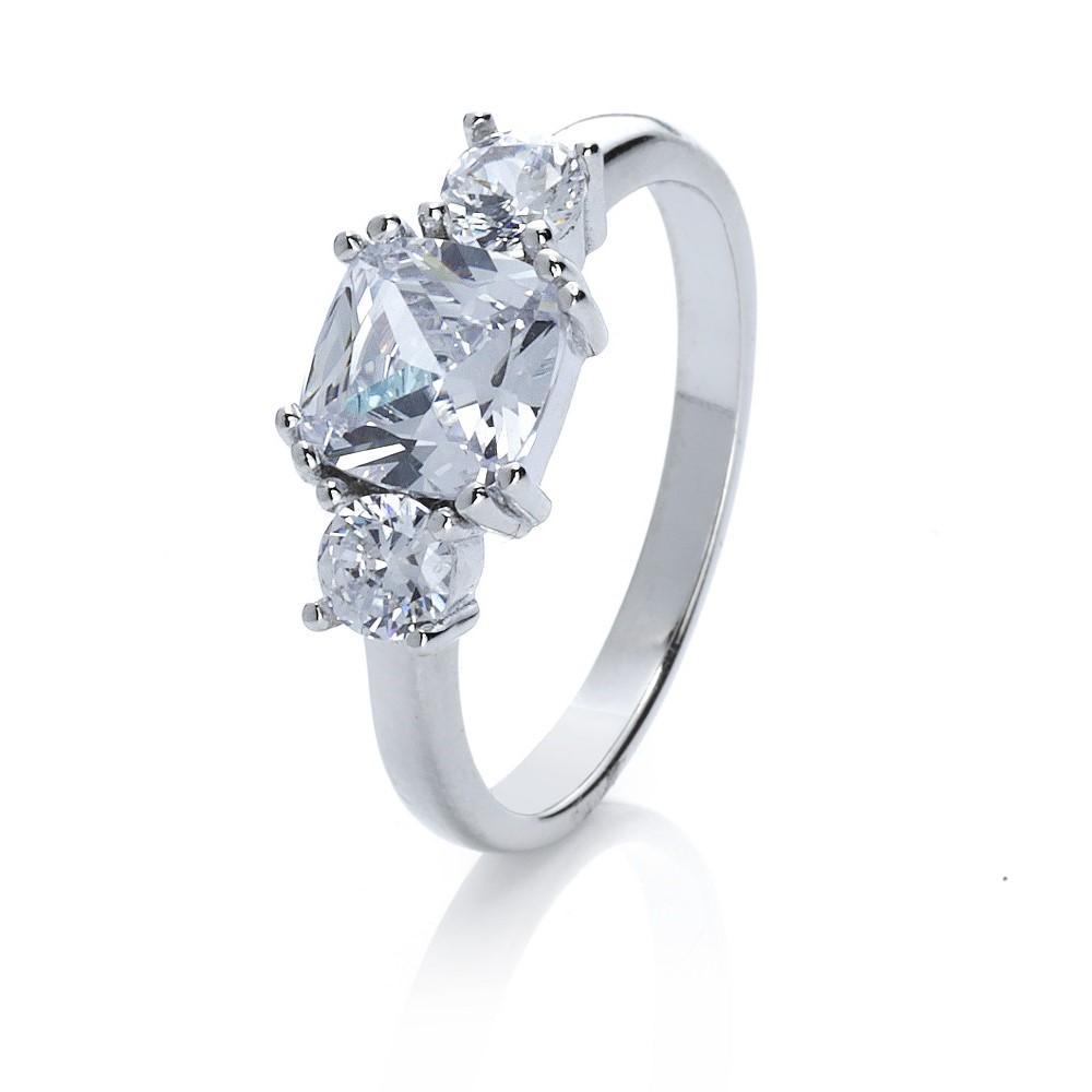 Silberner Ring mit Zirkonia Steinen