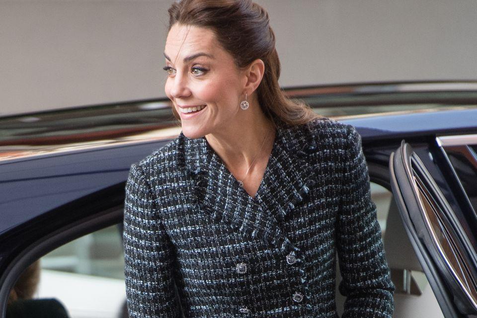 Herzogin Catherine zeigt sich bei einem Termin in London ohne ihren Verlobungsring.