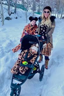 Jessica Simpson macht einen Spaziergang im Schnee