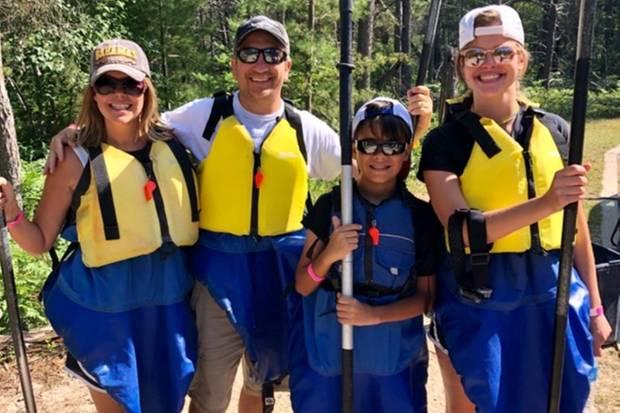 Dank Spenden konnte Leanna in Michigan Kajakfahren