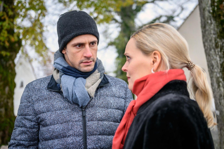 Paul (Sandro Kirtzel, l.) und Annabelle (Jenny Löffler)