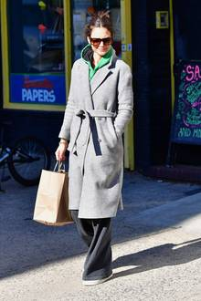 Katie Holmes im Schlamperlook