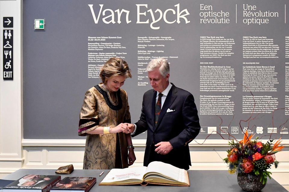 Das belgische Königspaar bei der van Eyck-Ausstellungseröffnung